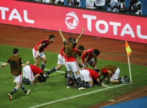 Egypt players celebrate Mohamed Elneny goal during the 2017 Africa Cup of Nations Finals Afcon final football match between Egypt and Cameroon at the Libreville Stadium in Gabon on 05 February 2017 ©Gavin Barker/BackpagePix